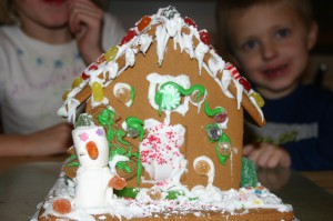 gingerbreadhouse 002